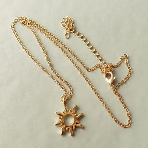 {5/$25} golden ray of sunshine necklace